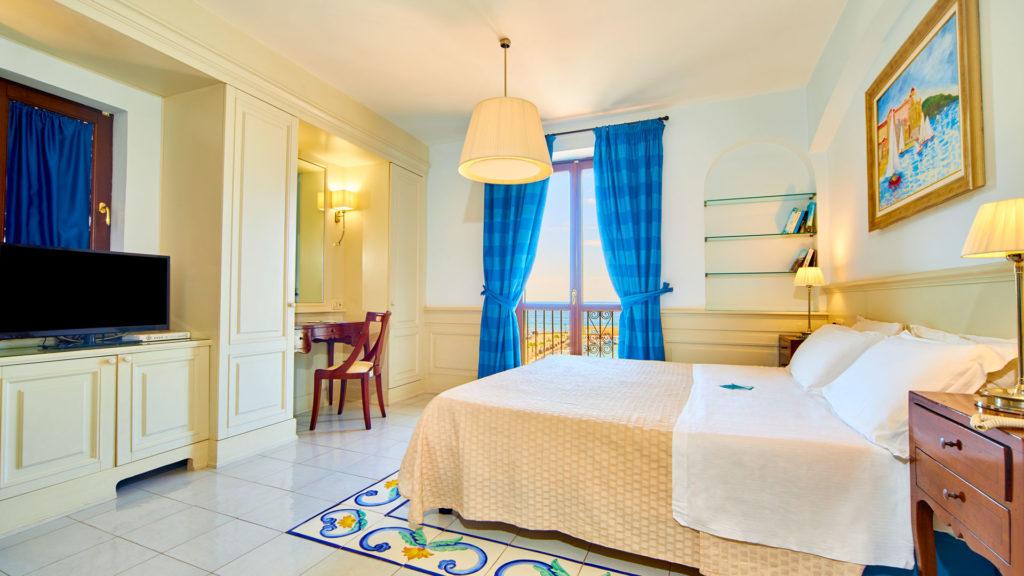 romantic-junior-suite-3
